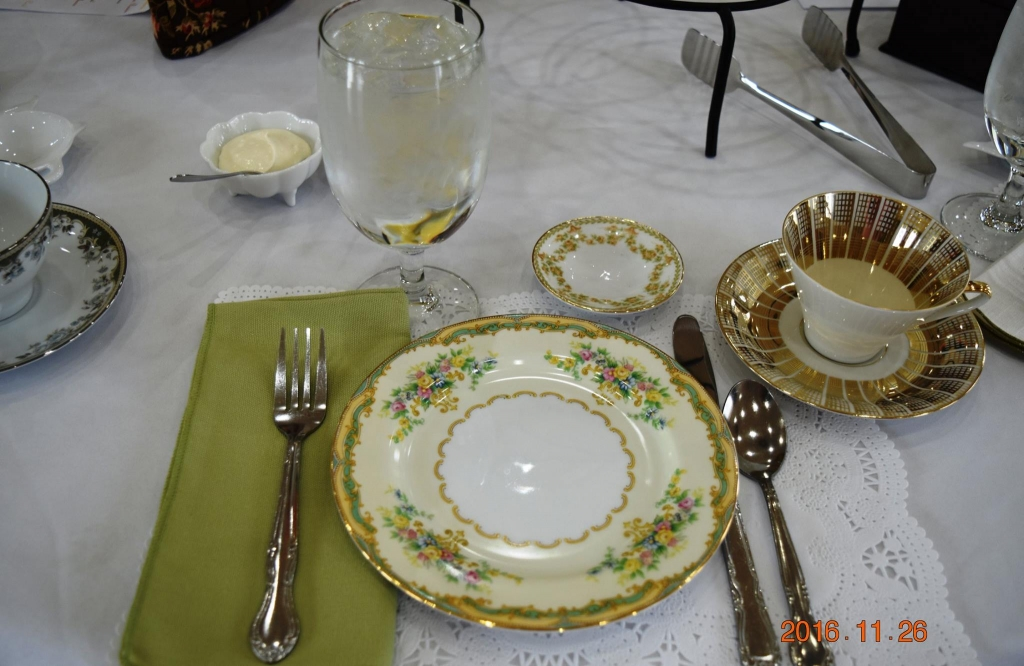 This is an example of the setting that needs to be provided when the host sets the table.